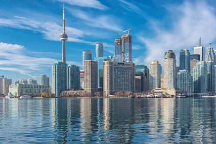 Skyline of Toronto with CN Tower over Ontario Lake